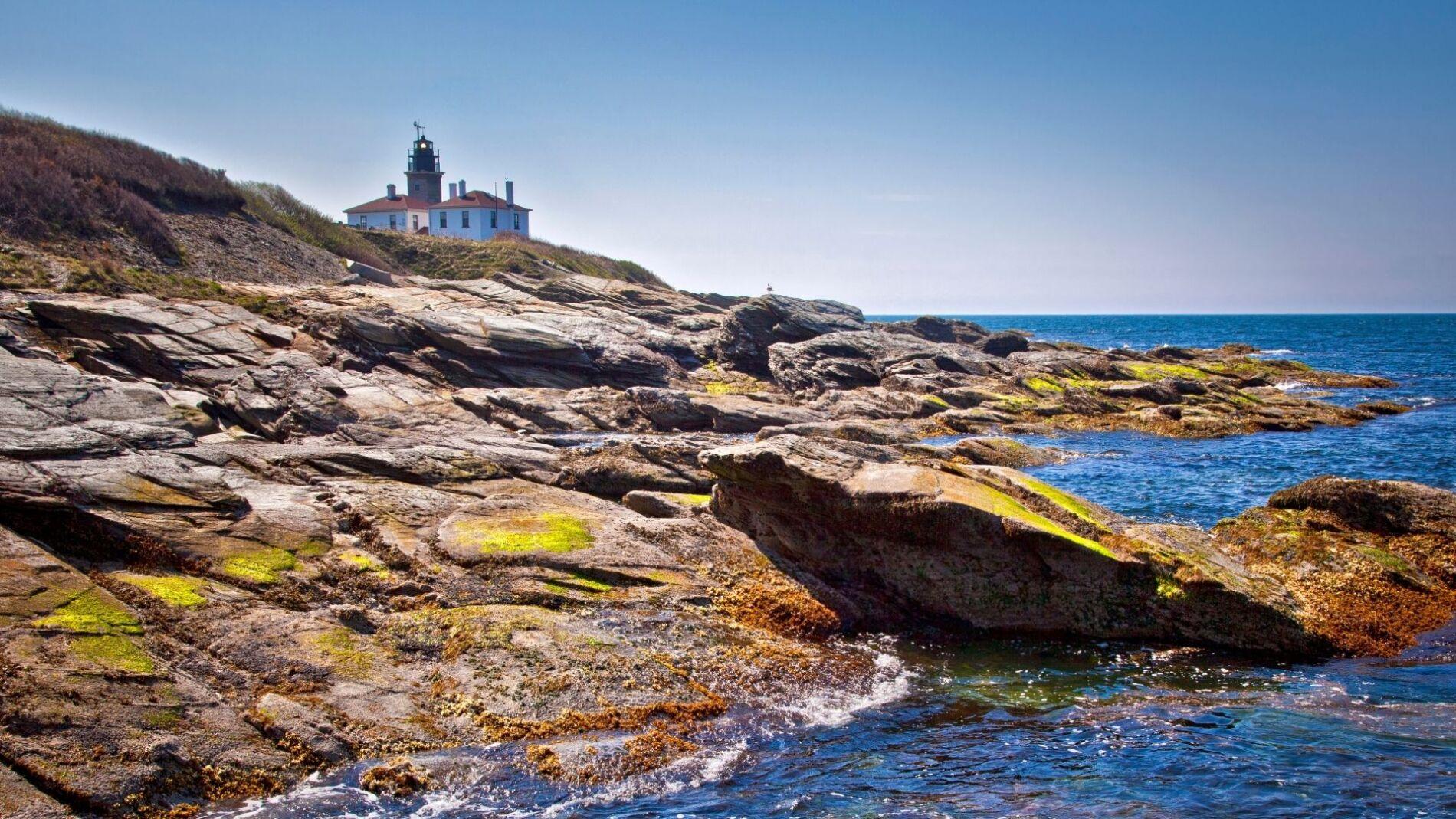 Beautiful Beavertail lighthouse in Narragnasett